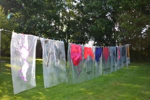Kleider machen Leute (2014), Acryl auf Folie, 10 teilig, je 140 x 90 cm